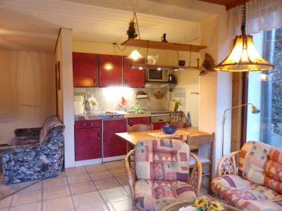 Fewo 2 offene Küche mit Sitzgelegenheit